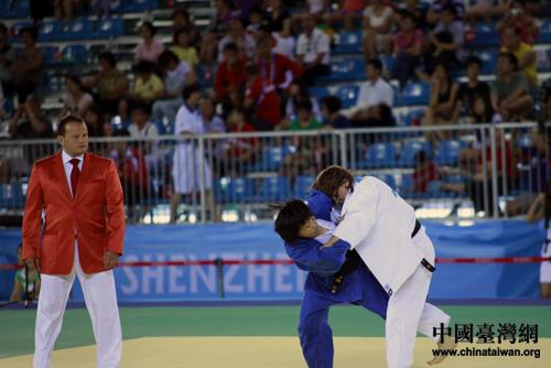 深圳 台北/连珍羚(队员左)在比赛中。(中国台湾网刘海伟摄)