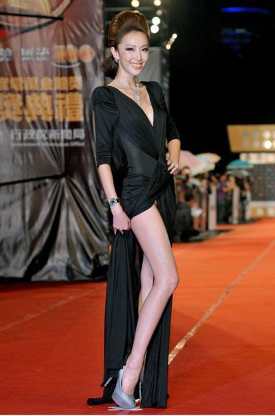 组图:2011年台湾电视金钟奖星光大道精彩纷呈