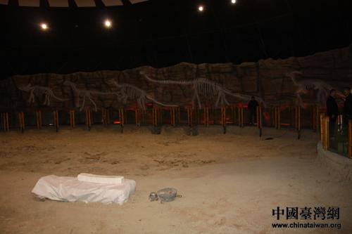 恐龙之乡千年古驿寻商机 港澳媒体走进二连浩特市