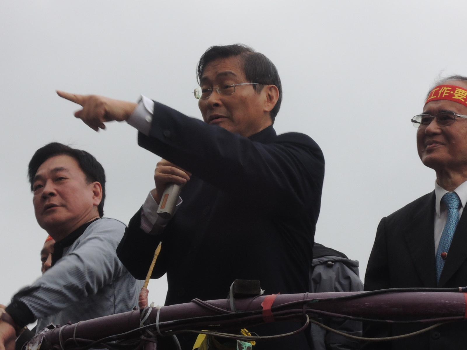 竹联帮白狼张安乐_新闻中心 本网快讯 > 正文       大哥总裁-张安乐(白狼)   前竹联帮