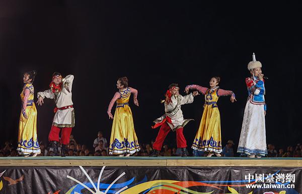 台湾少数民族丰年祭万人大联欢活动盛大举行