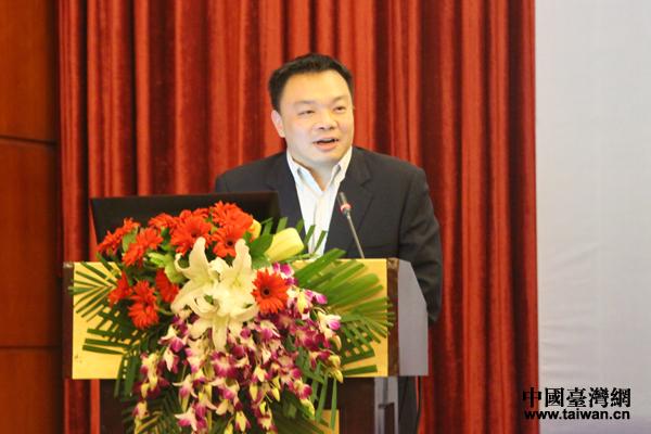 台湾法曹协会理事长高思博教授在闭幕式上致辞。