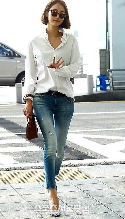 搭_韩国时尚偶像 学长腿美女高俊熙个性穿搭 组图