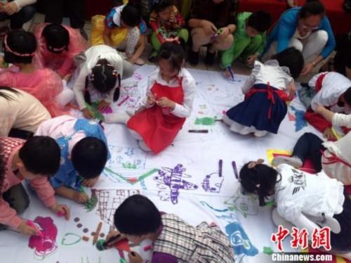 幼儿园亲子手工作品图垃圾桶