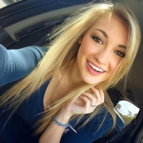 美国18岁女孩酷似迪士尼冰雪女王