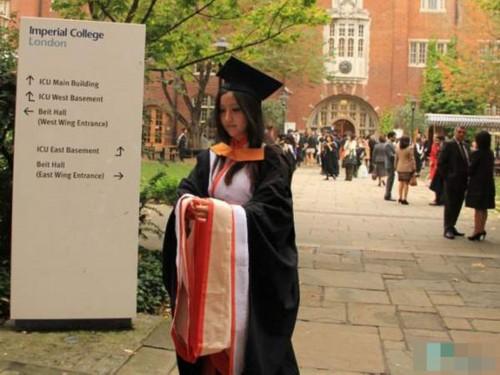 剑桥女博士美照走红 被赞人生赢家