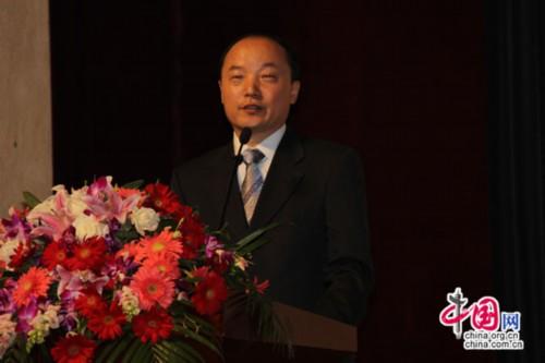 新航道国际教育集团董事长兼总裁胡敏教授在庆典大会致辞