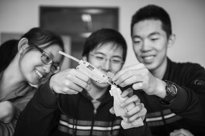 米图学生自主世界中学生F1编织设计赛车20北京纸参赛小熊维尼图片