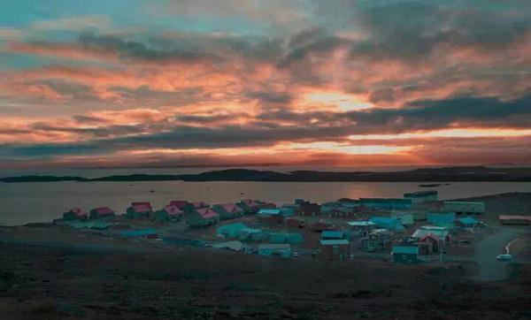 美洲 加拿大 努纳武特地区 伊魁特市 - 西部落叶 - 《西部落叶》· 余文博客