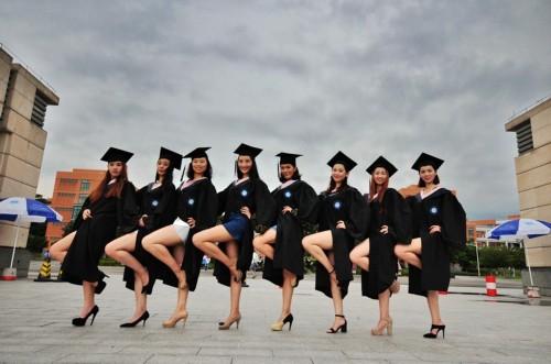 舞蹈系大学生创意毕业照秀妖娆舞姿