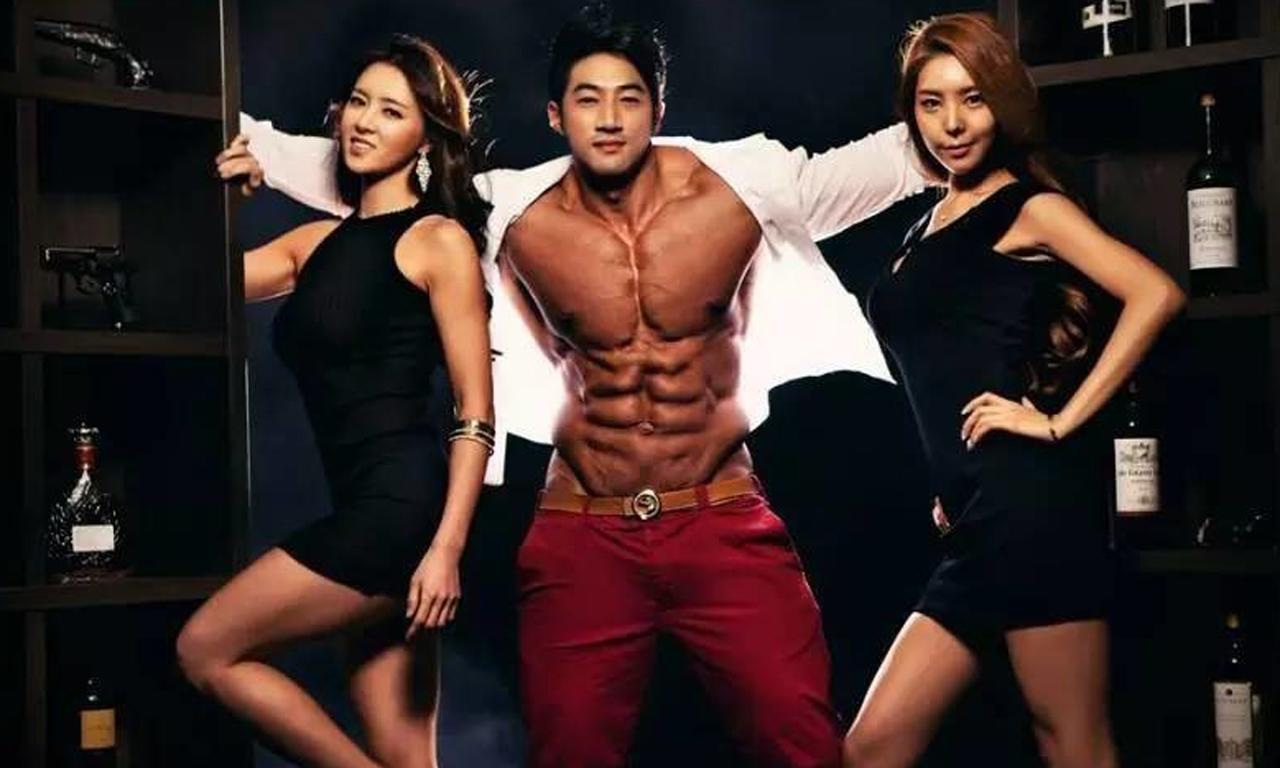 韩国男模靠健身撩妹无数 劲爆肌肉碾压欧美