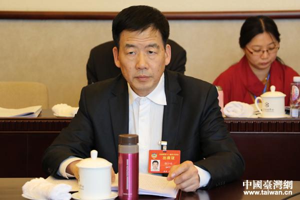 """台籍委员骆沙鸣:台湾青年需要""""大陆试用期"""""""