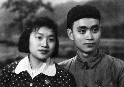"""60年中国女性发型变迁:从麻花辫到""""千面女郎""""图片"""