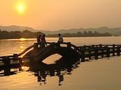 京杭运河 两岸/第一集俯下身来是人间